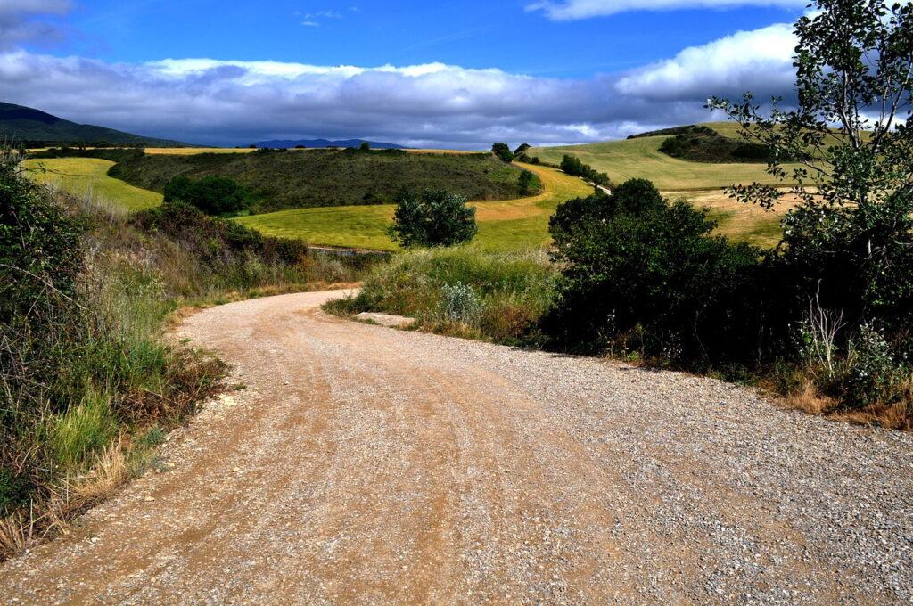 Strada verso Santiago de Compostela Foto di Filipevascar da Pixabay