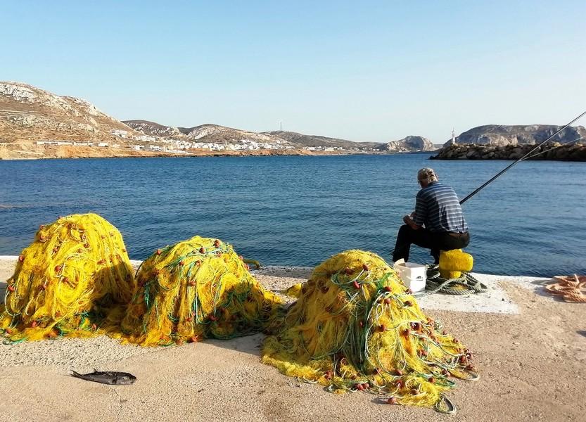 Pescatore a Karpathos Foto di Helena Volpi da Pixabay