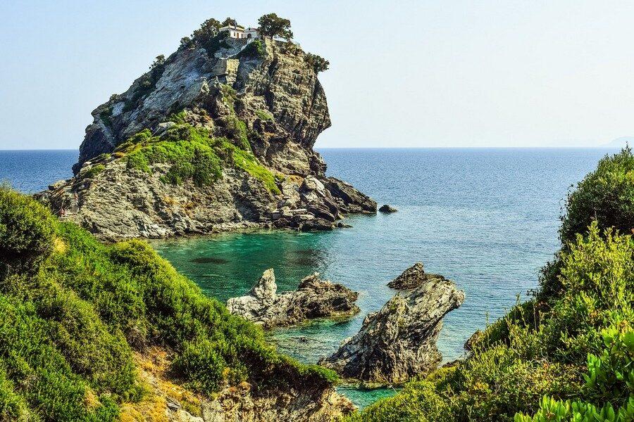 Skopelos Foto di Dimitris Vetsikas da Pixabay