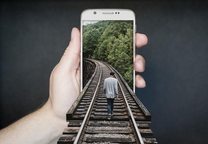 Viaggiare sicuri non è più il tempo del fai-da-te Foto di FunkyFocus da Pixabay