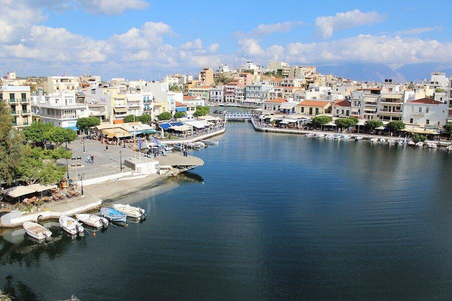 Ristoranti di Creta Lago Vouilismeni Chrisofyllis Restaurant Foto di Alex Sky da Pixabay