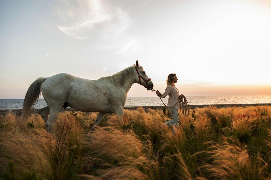 Meraviglia_Slow_Living-passeggiate a cavallo sul mare ionio-1